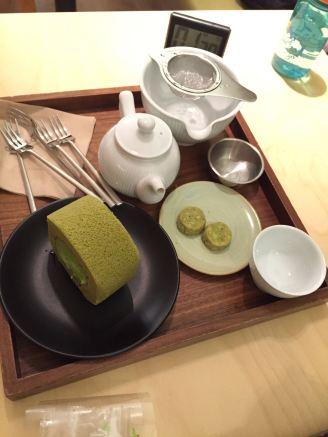 img-20160922-wa0000-tea-set